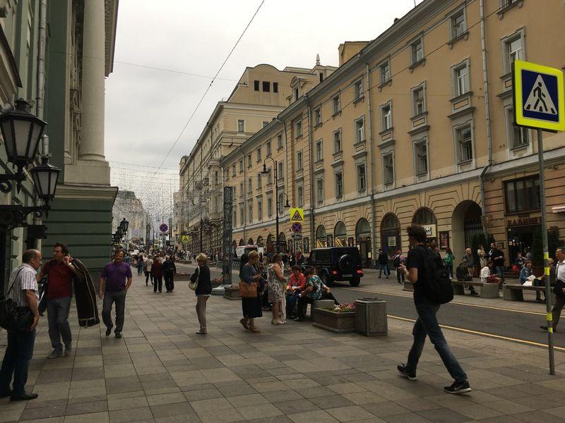 Гуляя по центральной части города, обязательно заглядываю на Большую Дмитровку – улицу со своим характером, архитектурным почерком и многовековой историей.