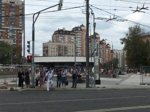У метро «Улица 1905 года» продолжается благоустройство
