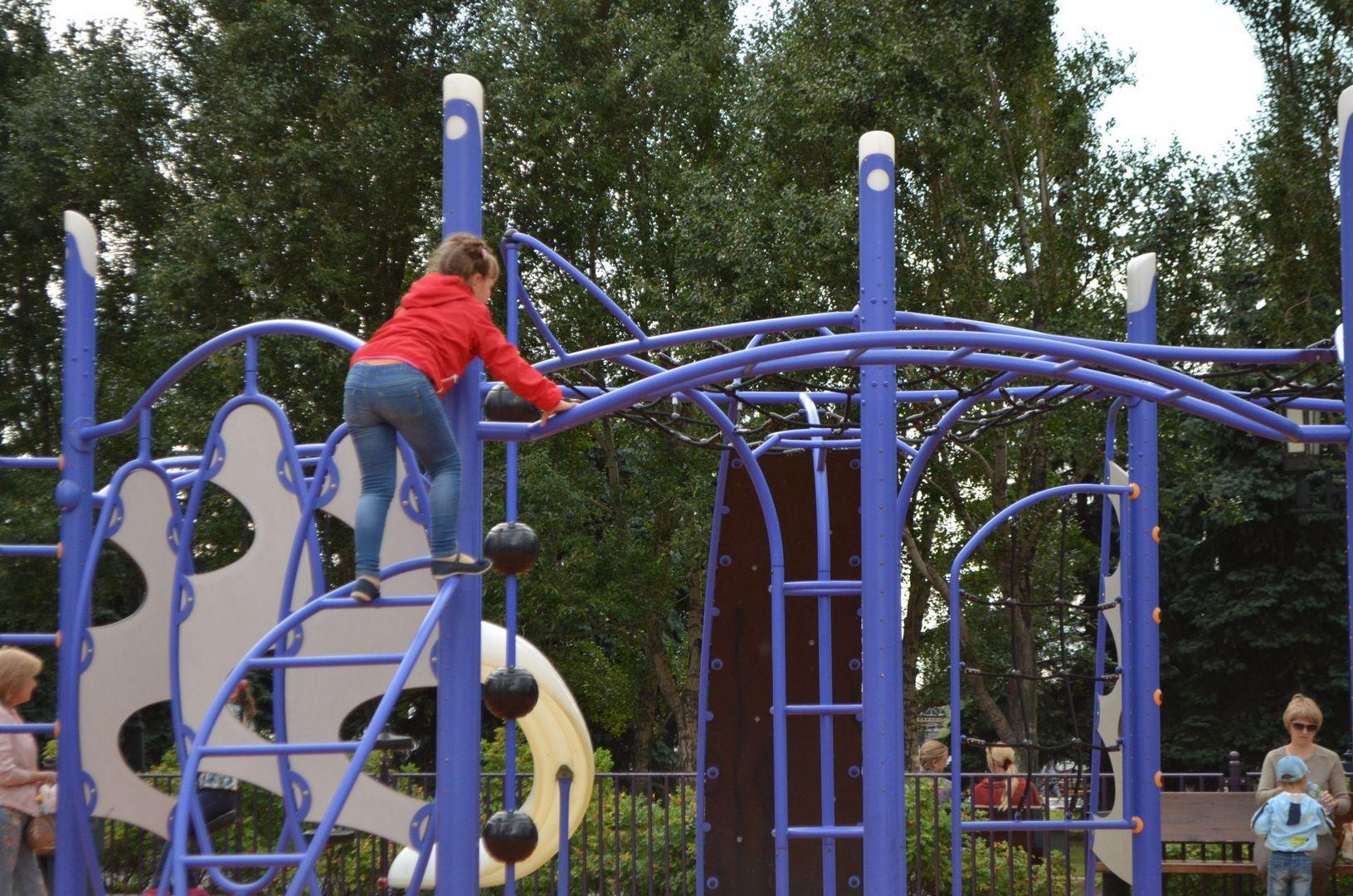 Новая детская площадка в парке Победы