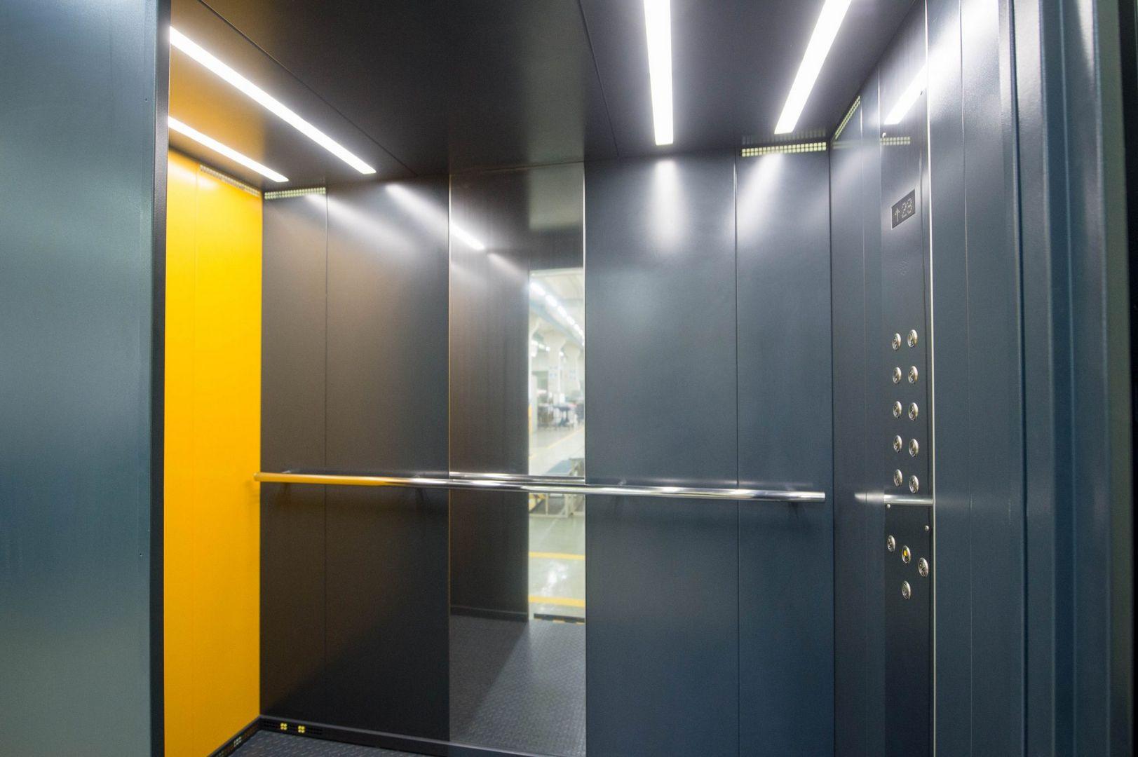 Современная лифтовая кабина