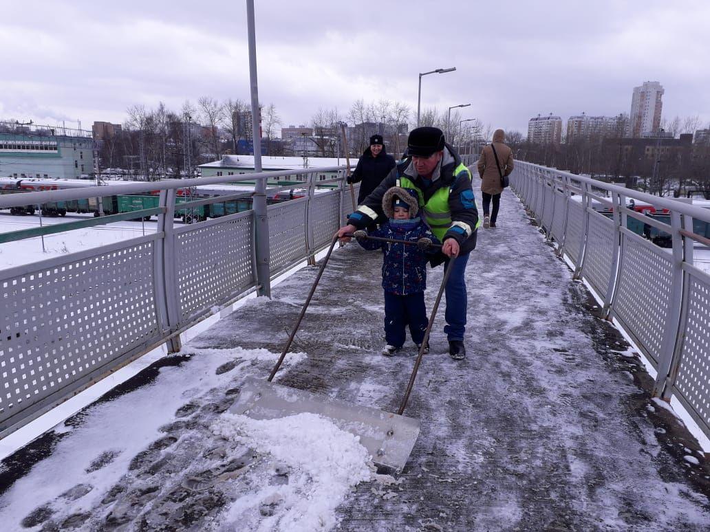 Расчистка железнодорожного моста