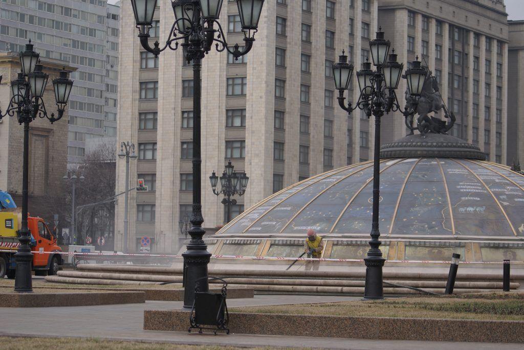 уборка Москвы Манежная площадь