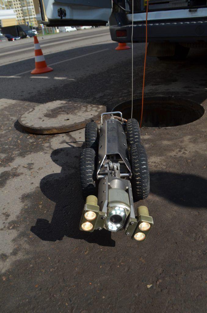 Водосточные коллекторы Мосводосток робот исследует коллектор