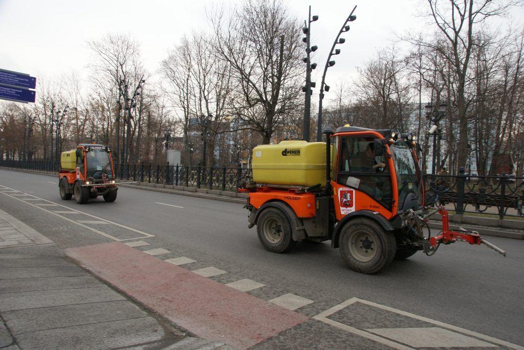 поливальные машины уборка промывка дорог