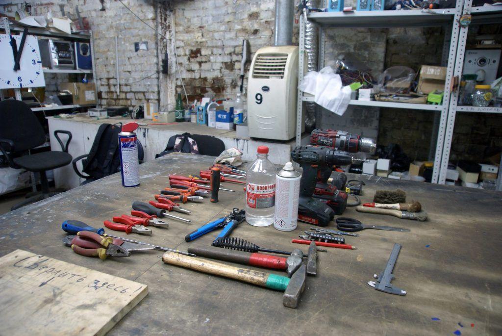 мастерская инструменты молоток