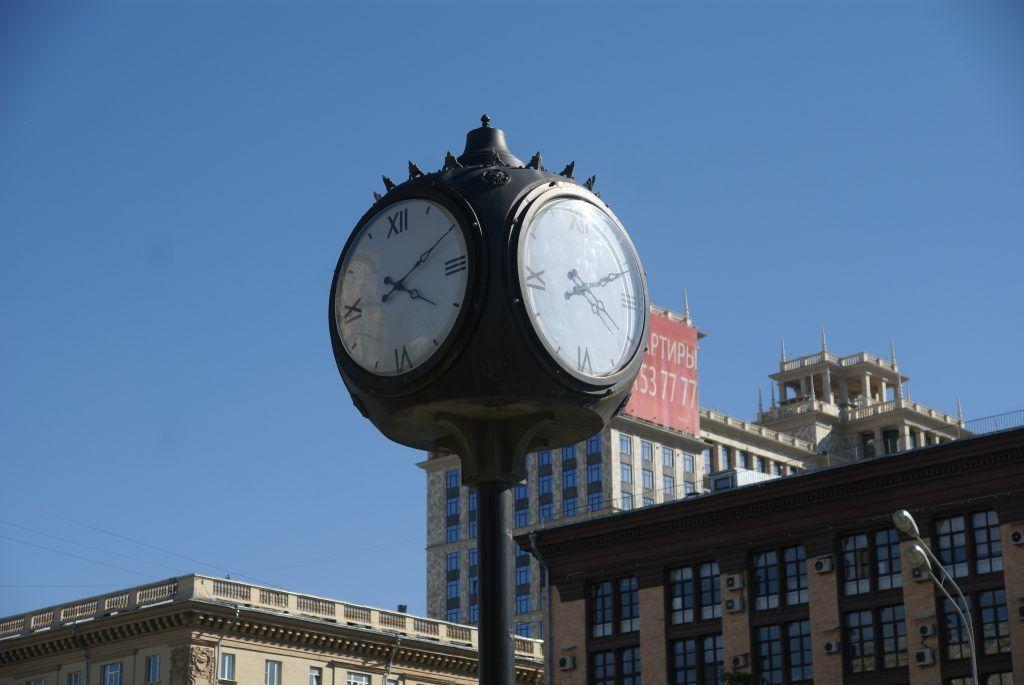 часы на улице