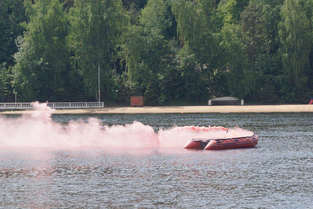 спасатели лето в Москве пляж пожар лодка