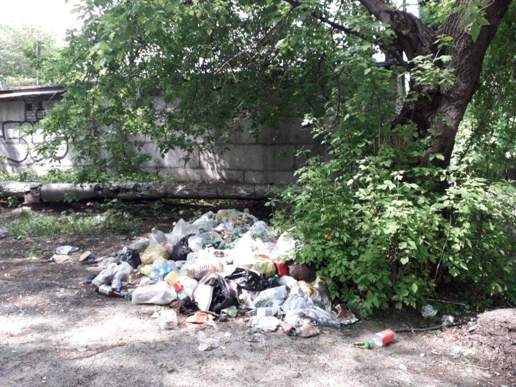 ураган мусор