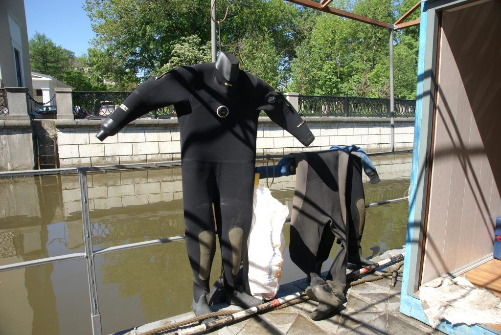 костюм водолаза река Яуза