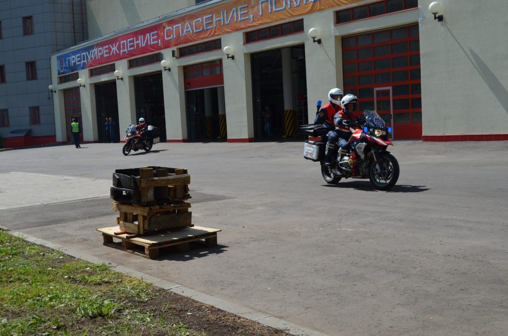 спасатели пожарные мотоциклы