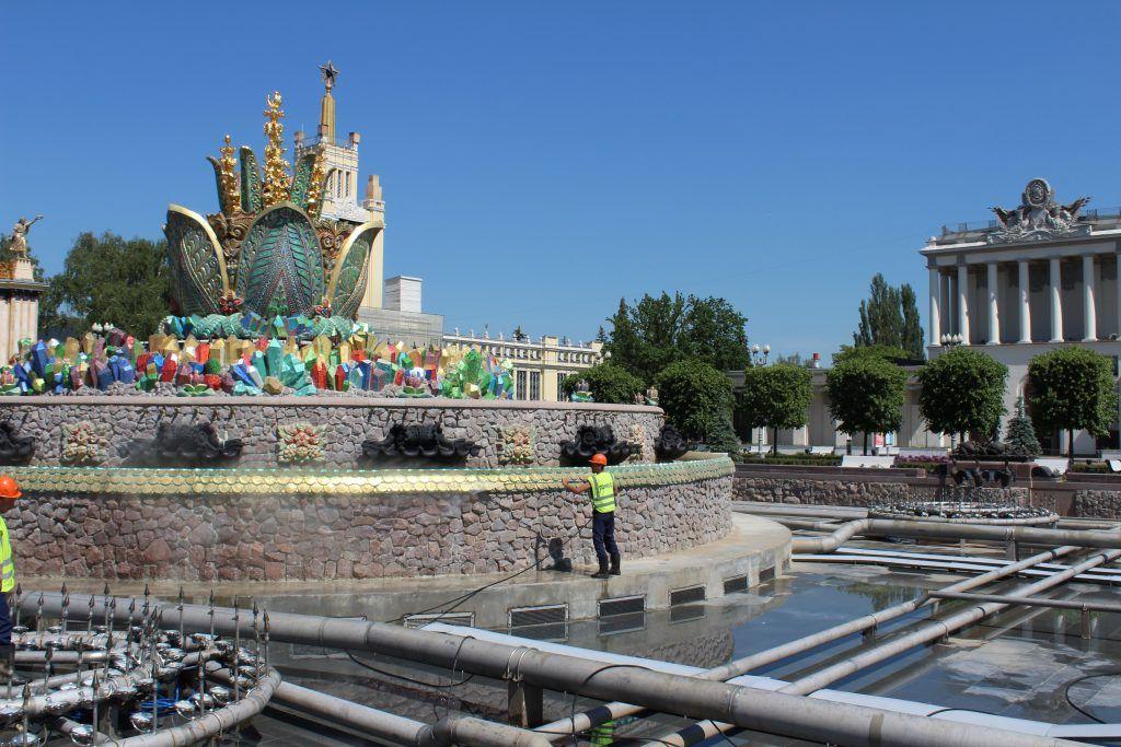 фонтан Каменный цветок промывка фонтанов ВДНХ