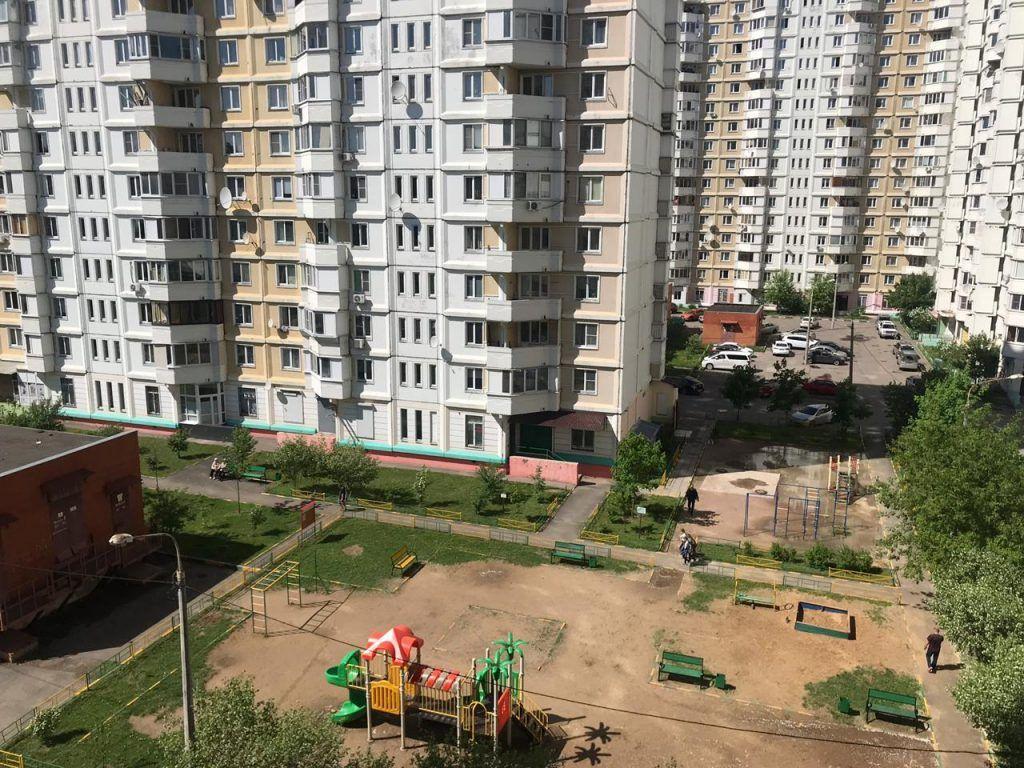 двор детские площадки