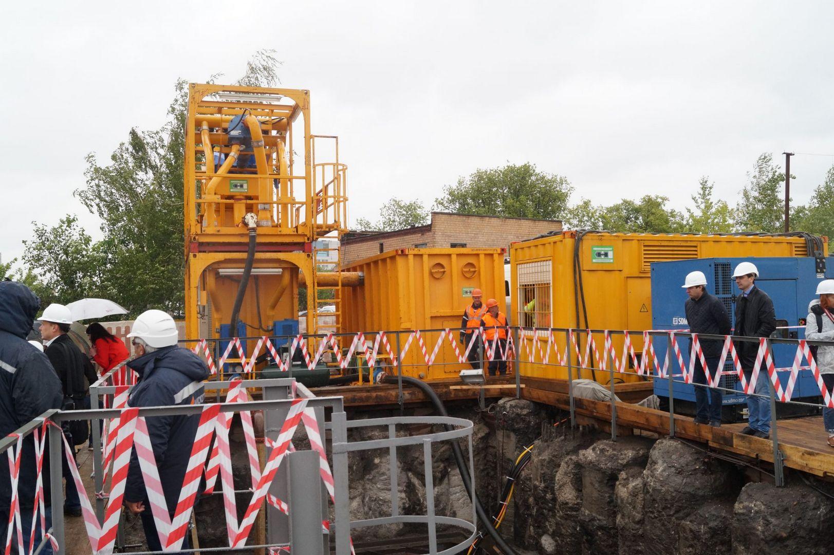 строитель, мосгаз, реконструкция газопровода, дюкер, трубы, стройплощадка