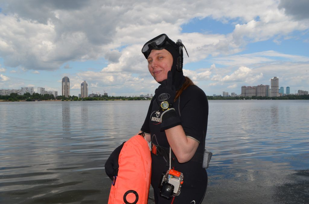 зона отдыха Строгинская пойма лето в Москве снаряжения для ныряния под воду