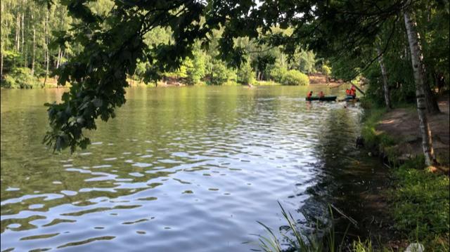 зона отдыха Тропарево пруд лодка