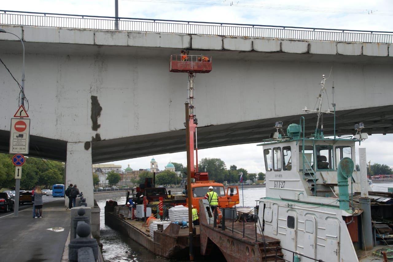 баржа, рабочие, река, автовышка, Автозаводский мост, ремонт моста