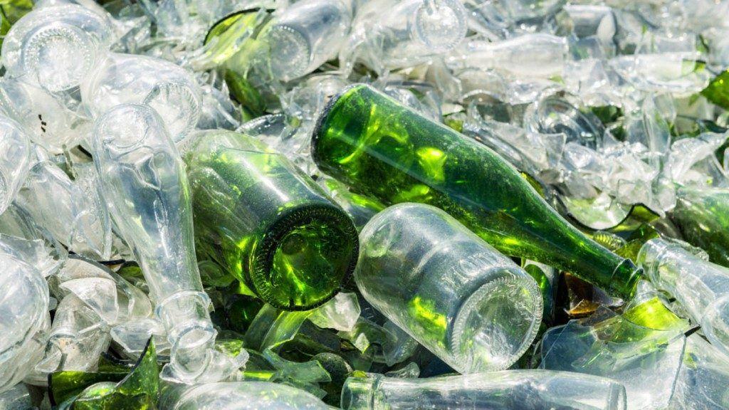 кухонных картинка стеклянная бутылка мусор вас есть