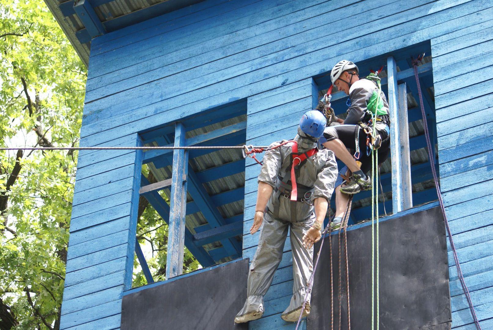 альпинист, спасатели, конкурс, лучший спасатель, спасатели Москвы, департамент ГО ЧС, первая помощь, манекен