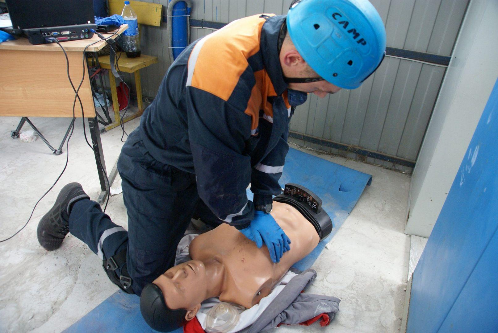 манекен, искусственное дыхание, спасатели, конкурс, лучший спасатель, спасатели Москвы, департамент ГО ЧС, первая помощь, манекен