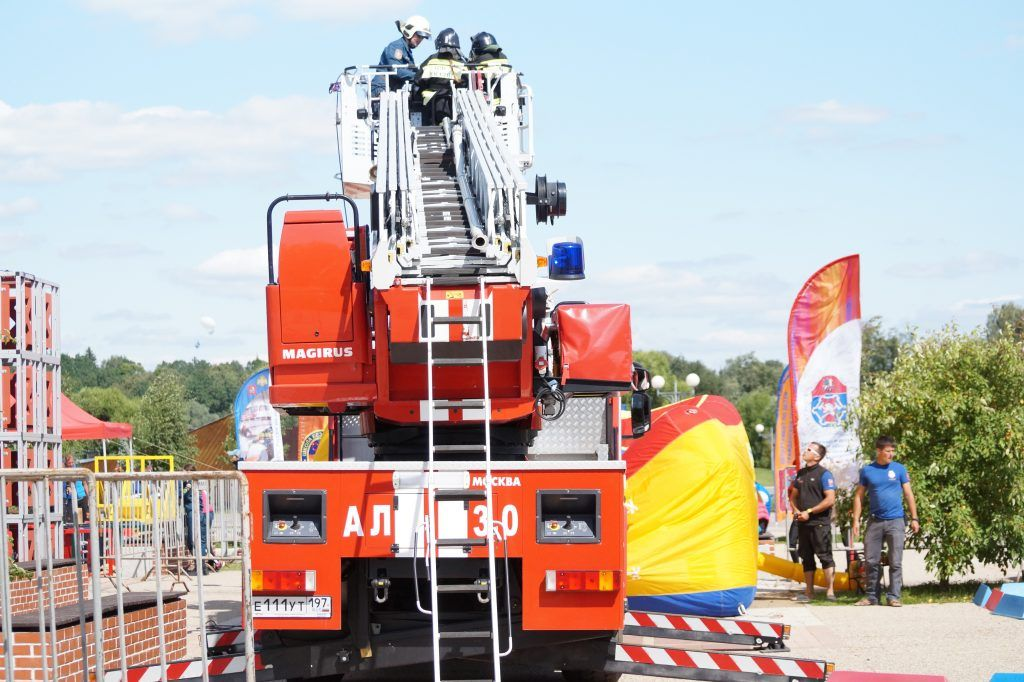 школа безопасности, Апаринки, соревнования,спасатели, пожарная машина, пожарные