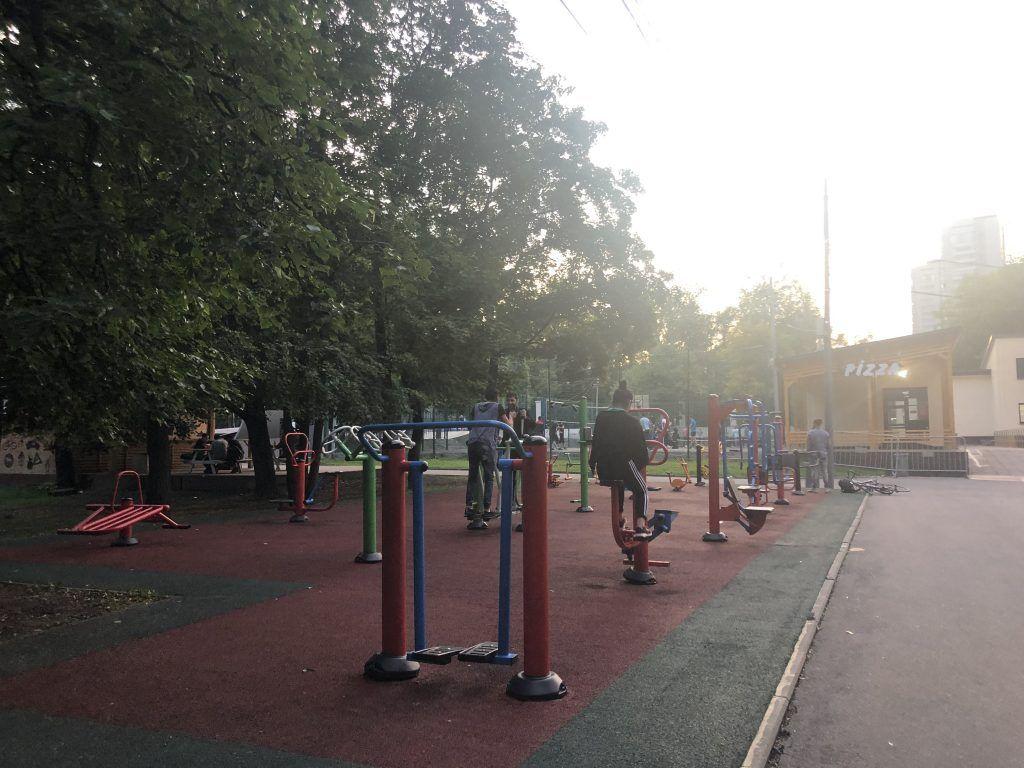 парк Красная Пресня тренажеры спортивная площадка