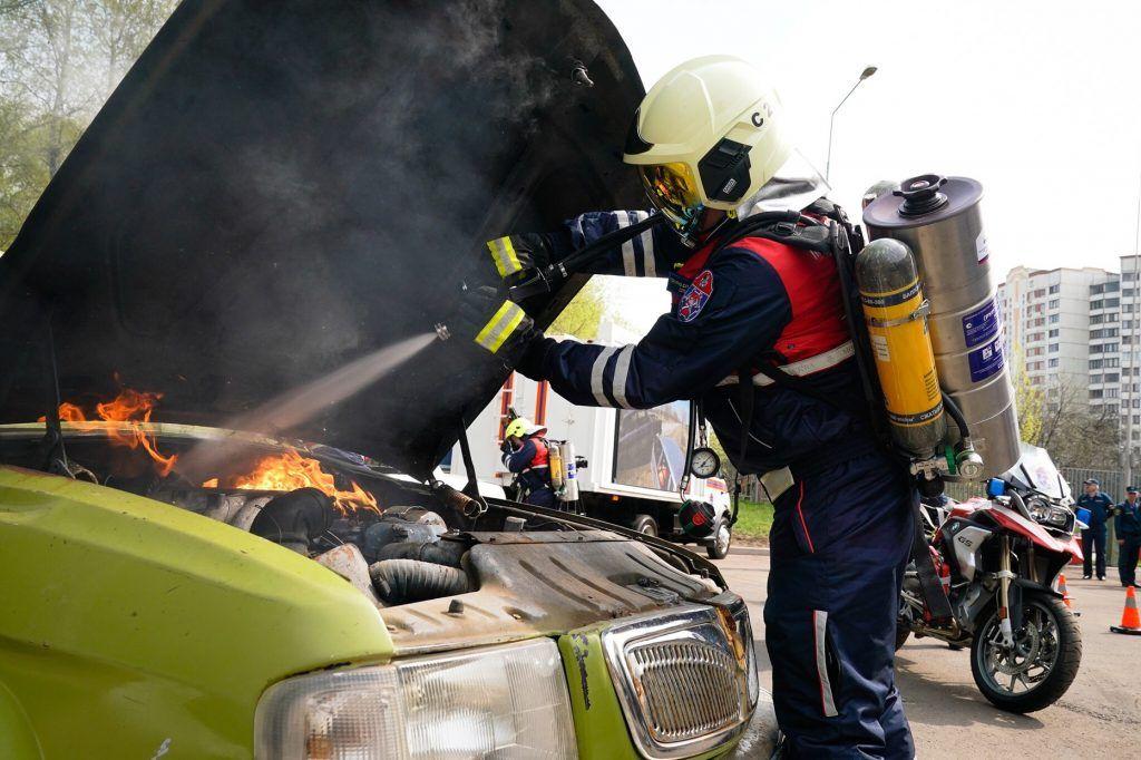 мотоциклы, спасатели, возгорание