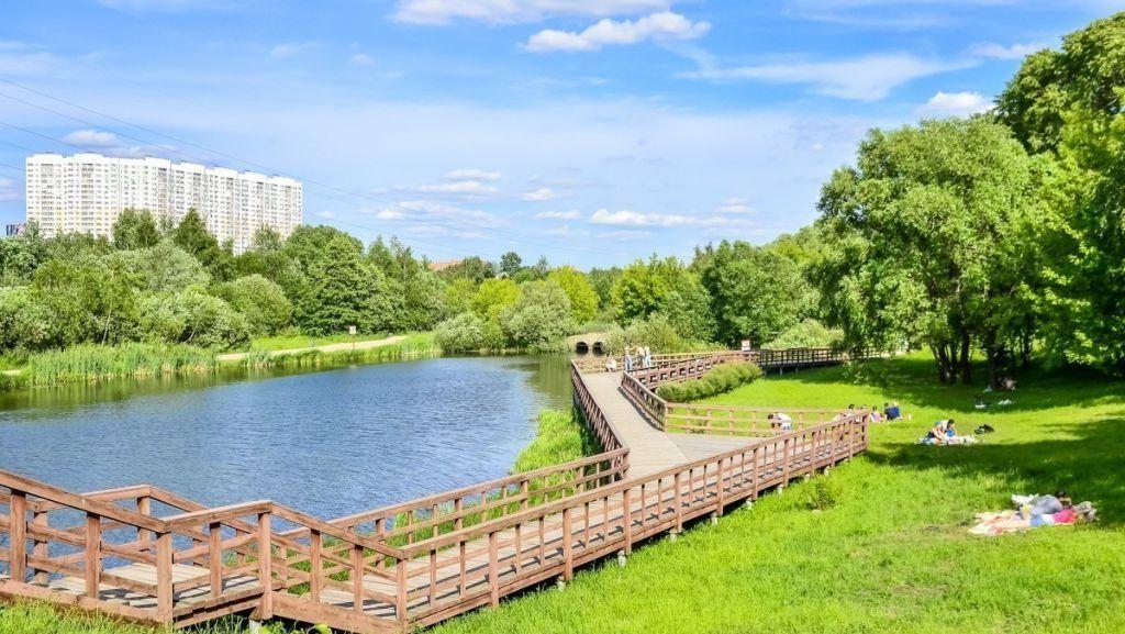 Парк у Джамгаровского пруда