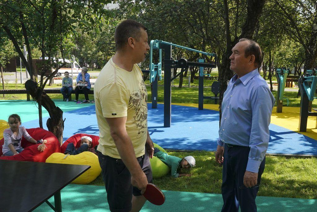 Петр Бирюков, благоустройство, яблоневый сад, детская площадка, жители