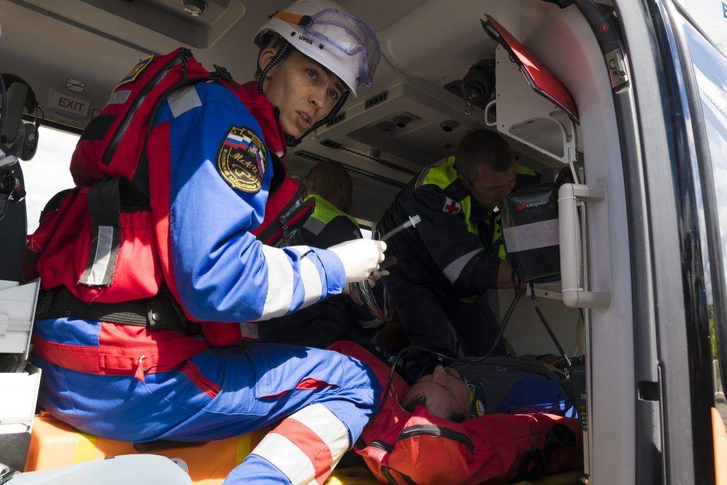 Александр Сергеев,спасатель, вертолет МАЦ