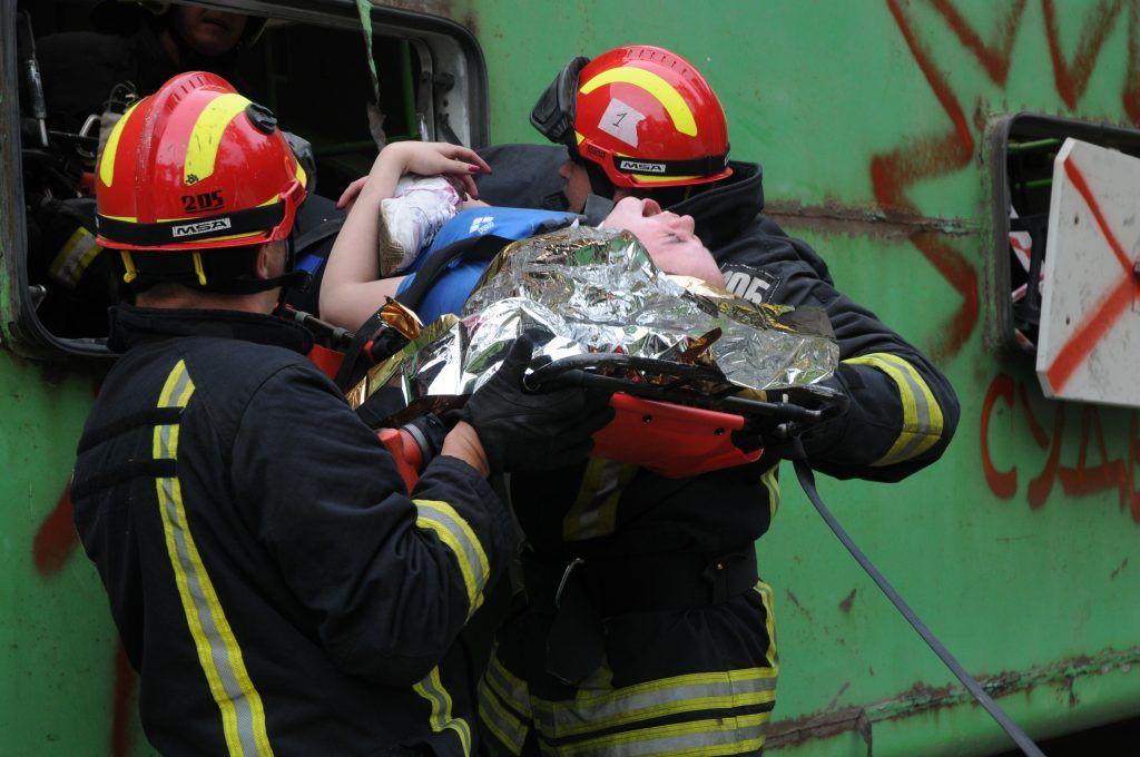 спасатели, Апаринки, МЧС, ДТП, пострадавшая