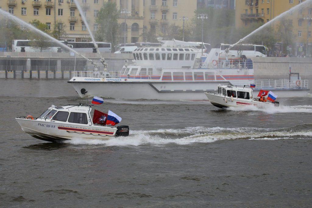 ГОиЧС8, спасатели, катеры, река