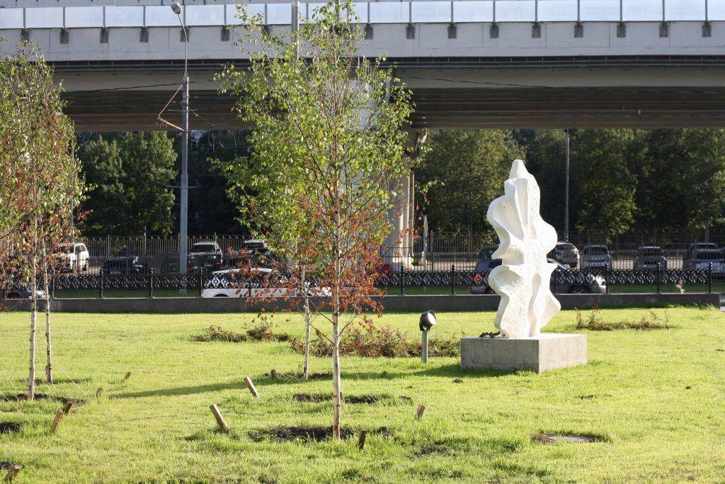 Крылатское, Осенний бульвар, благоустройство, деревья, памятники