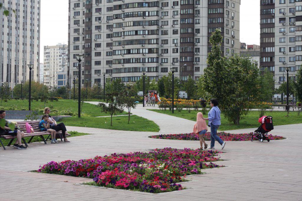 парк «70-летия Победы в Великой Отечественной войне», благоустройство, клумбы