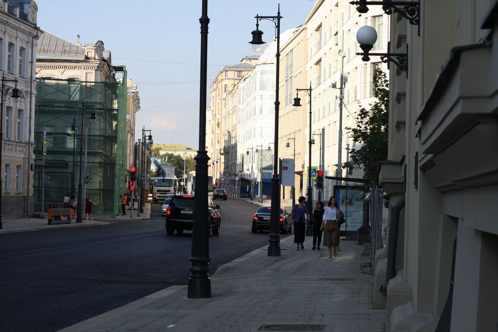 улица Остоженка, ремонт дорог, асфальт, плитка, фонари
