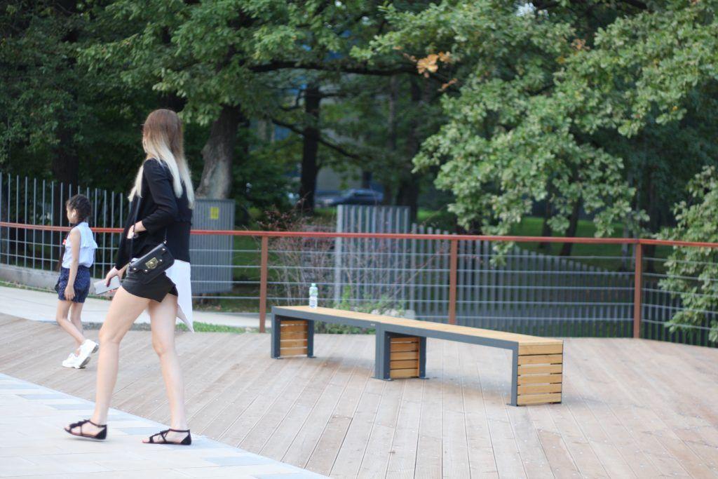 парк Лианозово, парки Москвы, Лианозовский променад, благоустройство, скамейка