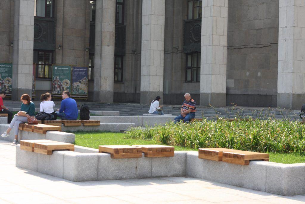 благоустройство, библиотека имени Ленина, цветники, скамейки