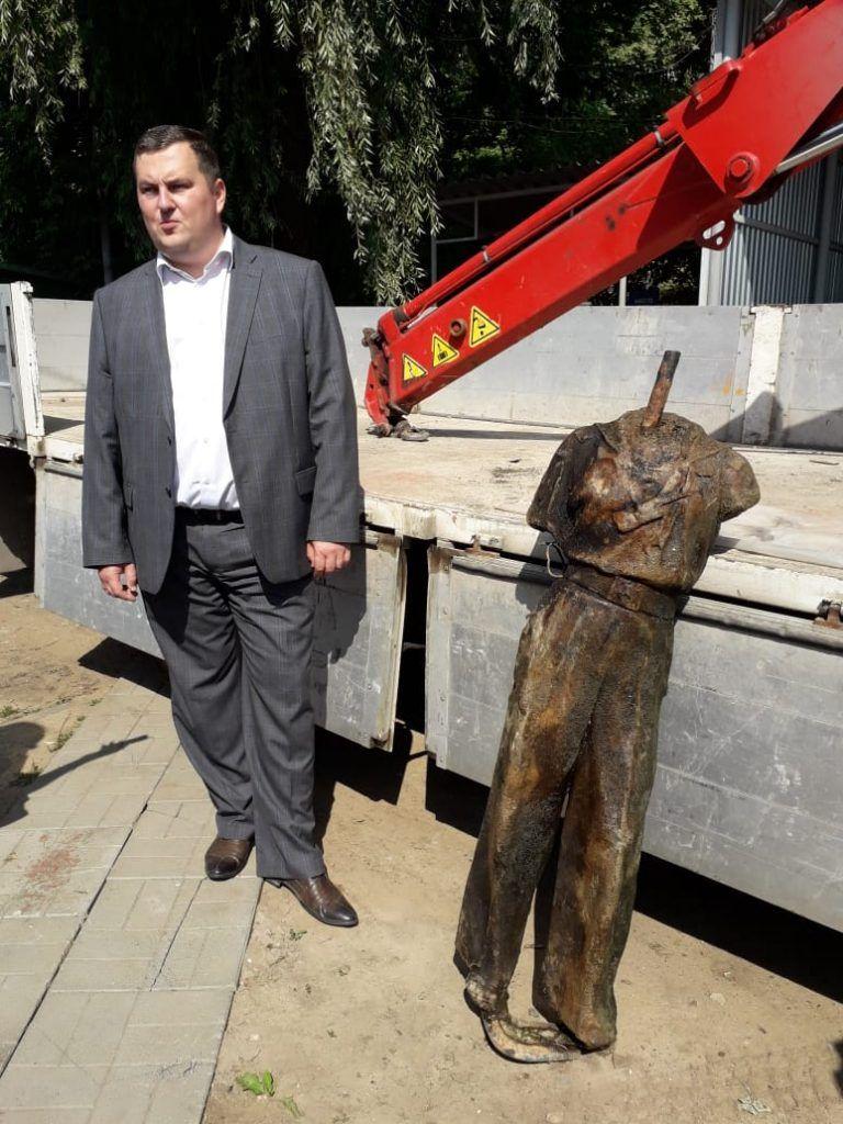 Мосводосток, статуя, река, подъемный кран