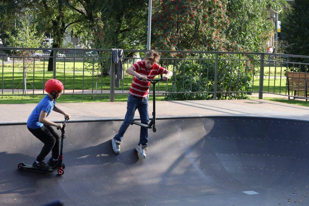 Крылатское, Осенний бульвар, благоустройство, скейт-площадка, дети, самокаты