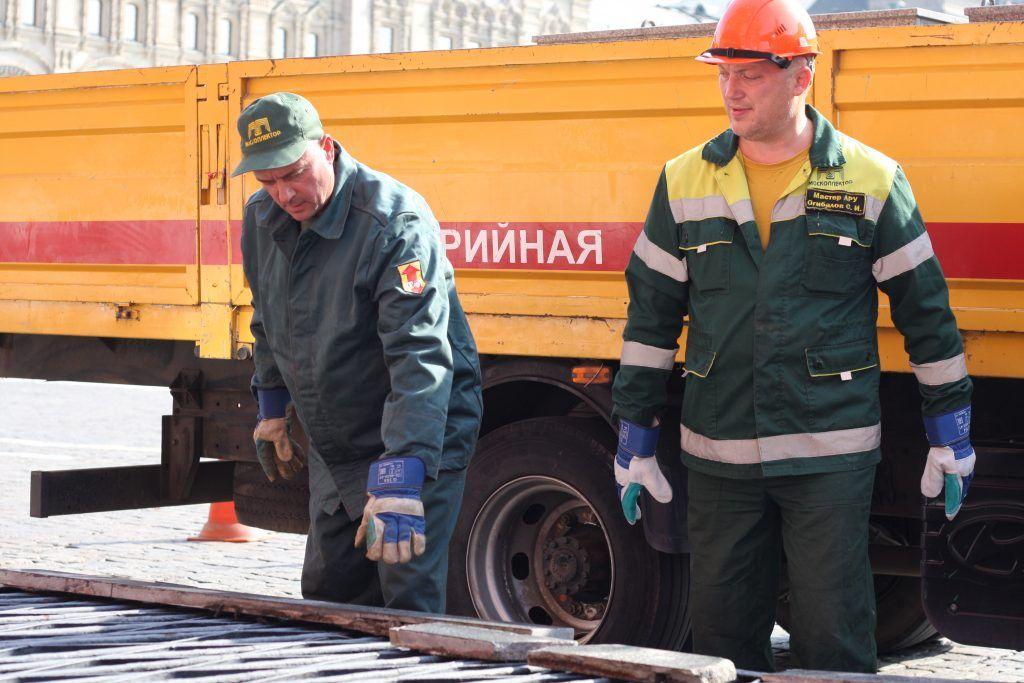 Сергей Огибалов, мастер АРУ с напарником, ГУП «Москоллектор», благоустройство, вентиляционные шахты, Кремль