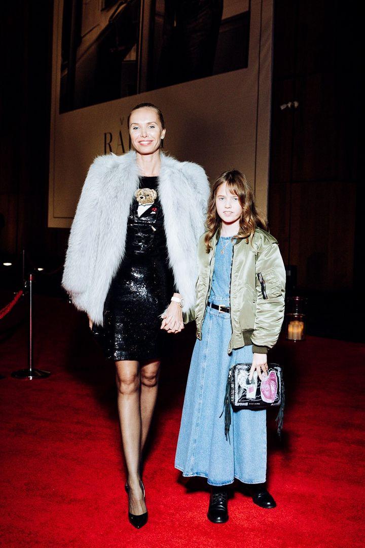 Илона Столье с дочерью Анной-Мишель, анинырассказы