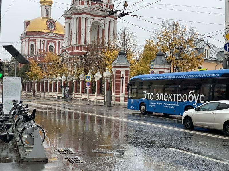 электробус, выделенные полосы