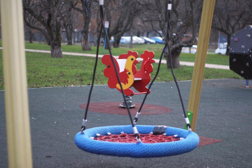 Яблоневый сад, благоустройство, детская площадка