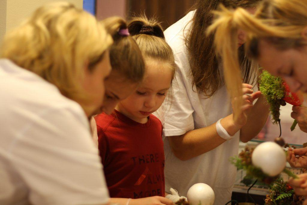Осенний листопад, праздник, Морозовская детская больница