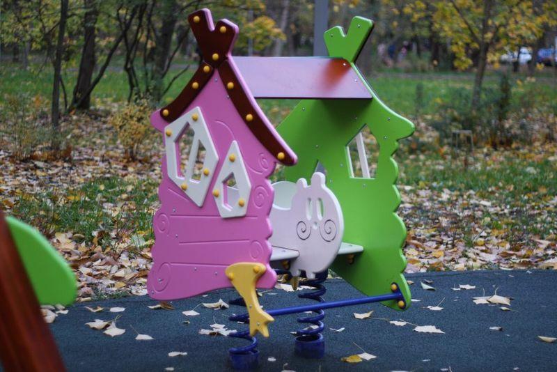 домик, детская площадка