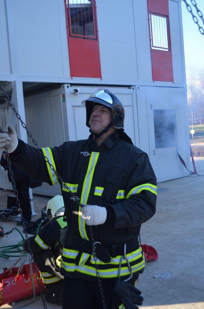 Апаринки, учения, спасатели, пожарные