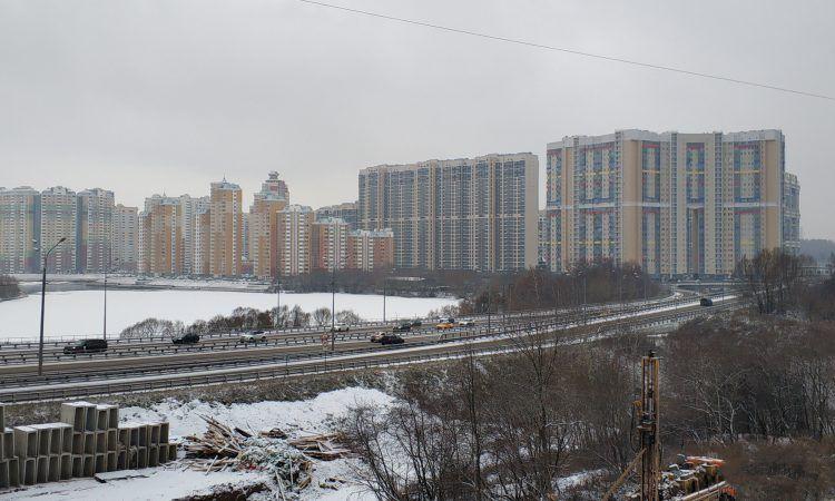 пруд, дома, зима в Москве, дорога