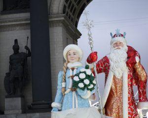 триумфальная арка, украшение Москвы, дед Мороз, Снегурочка