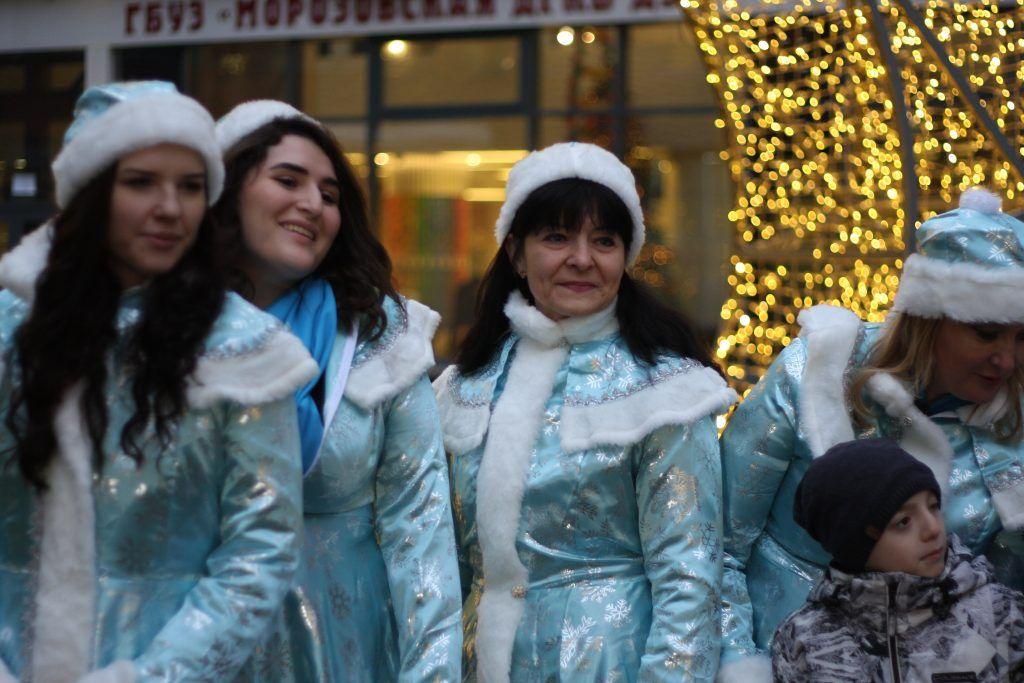 десант дедов морозов, снегурочки, морозовская больница, дети, новый год