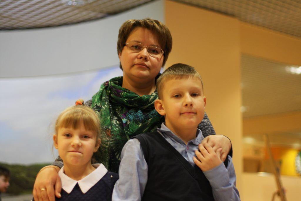 Лена Мак с детьми Кирой и Артемом