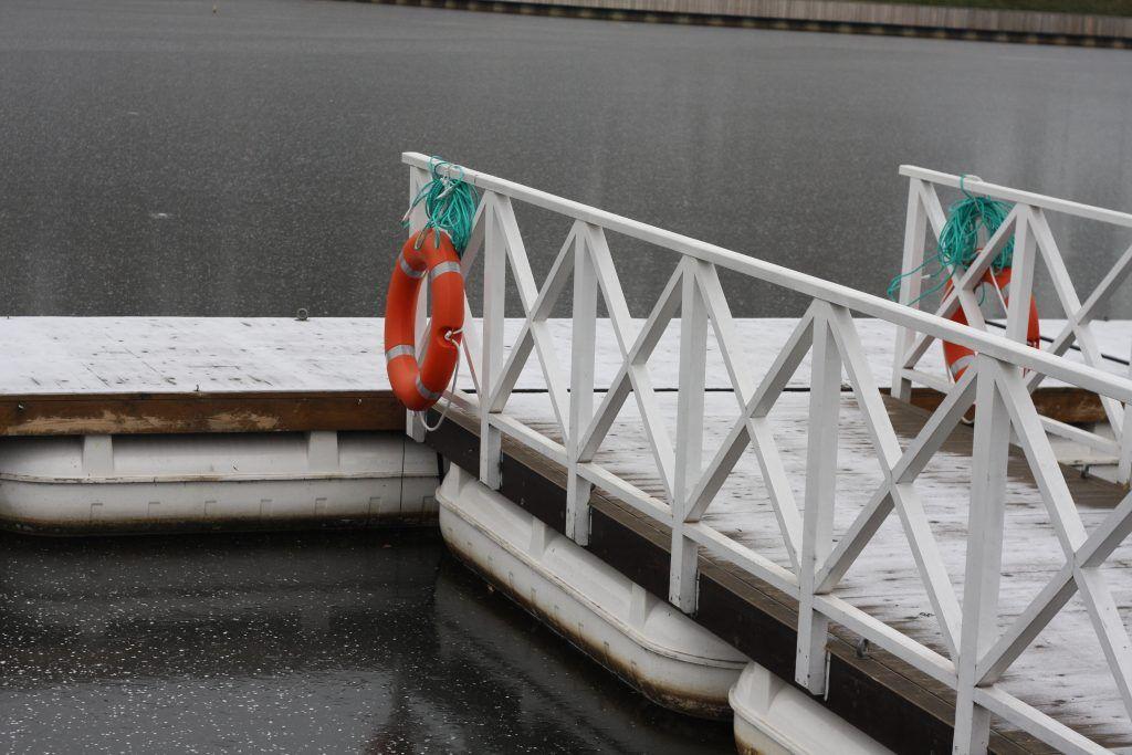 зима в Москве, природа, причал
